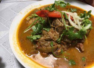 Ăn thử quán 40 năm được báo Mỹ mệnh danh 'đệ nhất cà ri dê Sài Gòn'