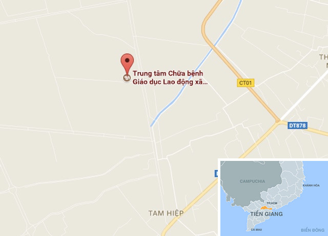 Hoc vien cai nghien ma tuy treo co chet trong nha ve sinh hinh anh 1