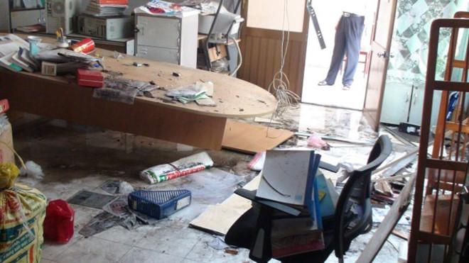 Phòng làm việc của Chi cục Thú y TP.HCM hư hỏng nặng.