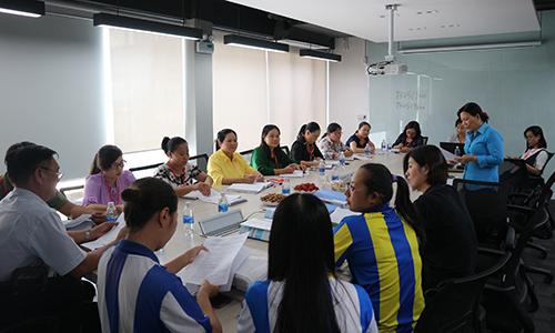 Đoàn giám sát làm việc với Công ty TNHH Công nghiệp Yegin Vina