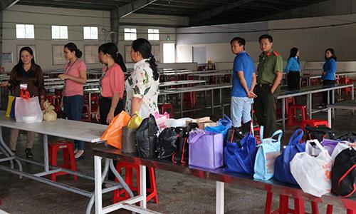 Đoàn giám sát nhà ăn của Công ty Quảng Việt Tiền Giang