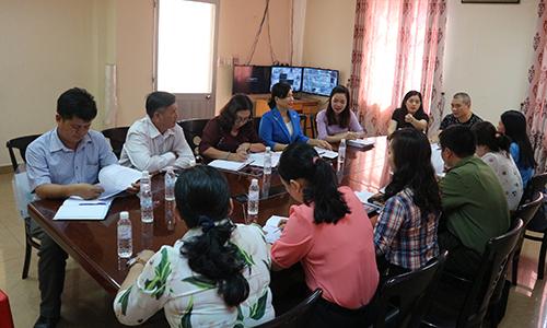 Đoàn giám sát làm việc với Công ty TNHH Bao bì Quốc Tế Thuận Phong