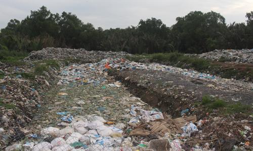 Bãi rác nơi người dân phản ánh phát sinh mùi hôi.