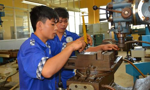 Nhu cầu tuyển dụng lao động có tay nghề ngày càng tăng.