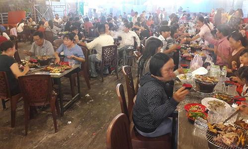 Quán Buffet 99k rất đông khách đến ăn