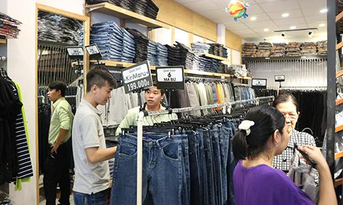 Khách hàng rất ưa chuộng sản phẩm có thương hiệu lớn, ngoài tỉnh