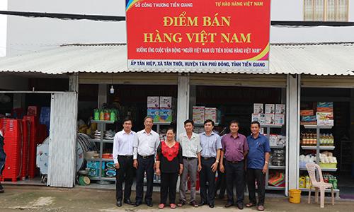 Điểm kinh doanh hàng Việt Nam của bà Huỳnh Thị Bích Thuận