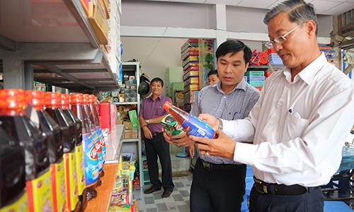 Công bố Điểm bán hàng Việt Nam tại huyện Tân Phú Đông
