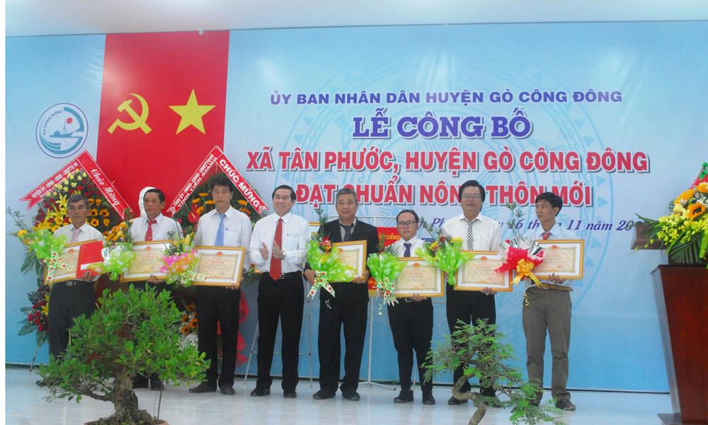 Các cá nhân tiêu biểu trong việc đóng góp xây dựng NTM xã Tân Phước.
