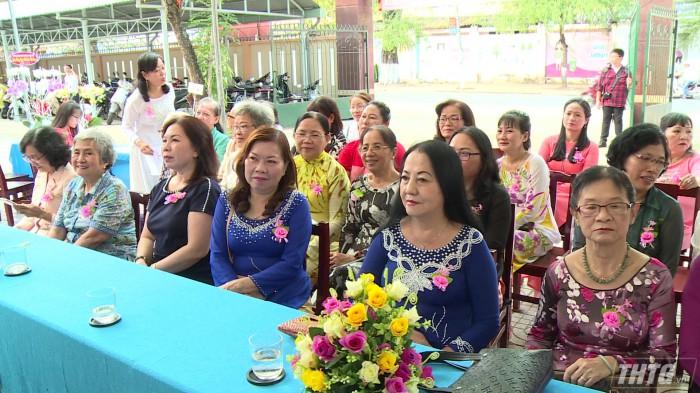 Truong Le Ngoc Han nhan huan chuong doc lap hang 1 3