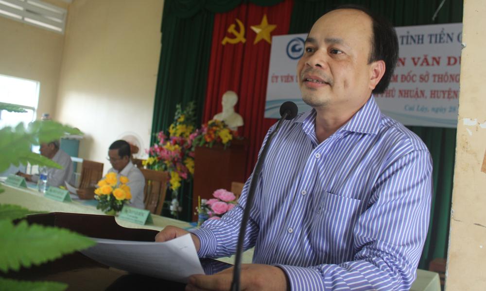 Giám đốc Sở Thông tin và Truyền thông Trần Văn Dũng phát biểu tại buổi gặp gỡ nhân dân xã Phú Nhuận.