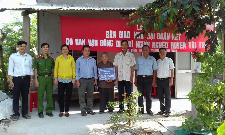 Một hộ gia đình khó khăn về nhà ở của xã Long Vĩnh được hỗ trợ XNT, xây dựng nhà kiên cố.