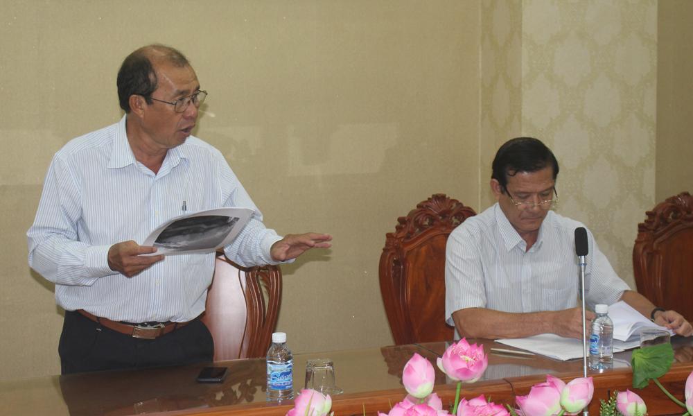 Chi cục Trưởng Chi cục Thủy lợi Nguyễn Thiện Pháp phát biểu tại buổi làm việc.