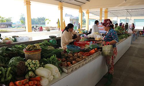 Các quầy hàng kinh doanh thực phẩm trong chợ Thành Công đã được cải tạo, nâng cấp theo Tiêu chuẩn quốc gia về chợ kinh doanh thực phẩm.