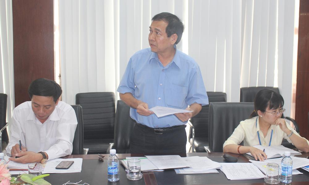 Trưởng Ban Quản lý các KCN Cao Minh Tâm phát biểu tại buổi làm việc.