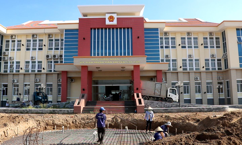 Trụ sở làm việc mới của UBND huyện Cai Lậy tại Khu Trung tâm hành chính huyện Cai Lậy.