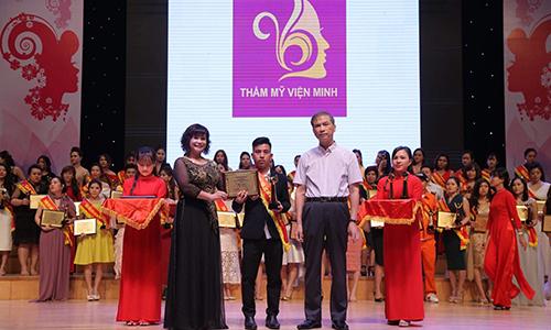 TMV Minh Nhàn đoạt danh hiệu Bàn tay vàng Vì vẻ đẹp Á Đông