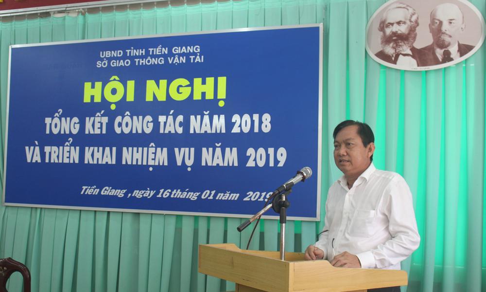 Giám đốc Sở GT-VT Trần Văn Bon phát biểu tại hội nghị.