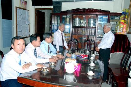 Trưởng Ban Dân vận Tỉnh ủy Trần Long Thôn trân trọng gửi lời chúc xuân an lành đến toàn thể chức sắc, chức việc và tín hữu Hội thánh Tin Lành Việt Nam (Miền Nam) tỉnh Tiền Giang