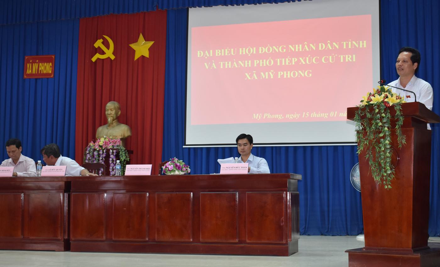 Đại biểu HĐND tỉnh trả lời ý kiến của cử tri