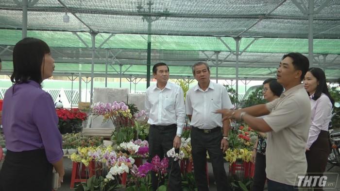 Cho hoa Tet1