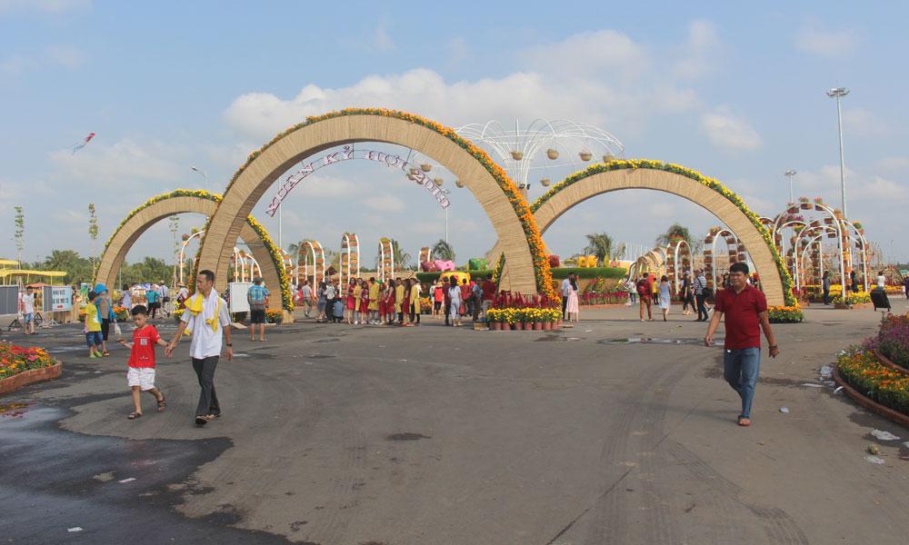 Việc tổ chức các hoạt động phục vụ nhân dân vui xuân tại Quảng trường đã đạt mục tiêu đề ra.