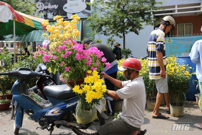 Cho hoa Tet 8
