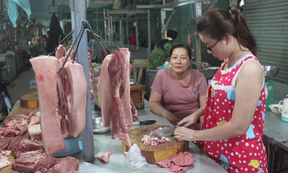 Giá thịt heo tăng khoảng 10% so với trước tết.