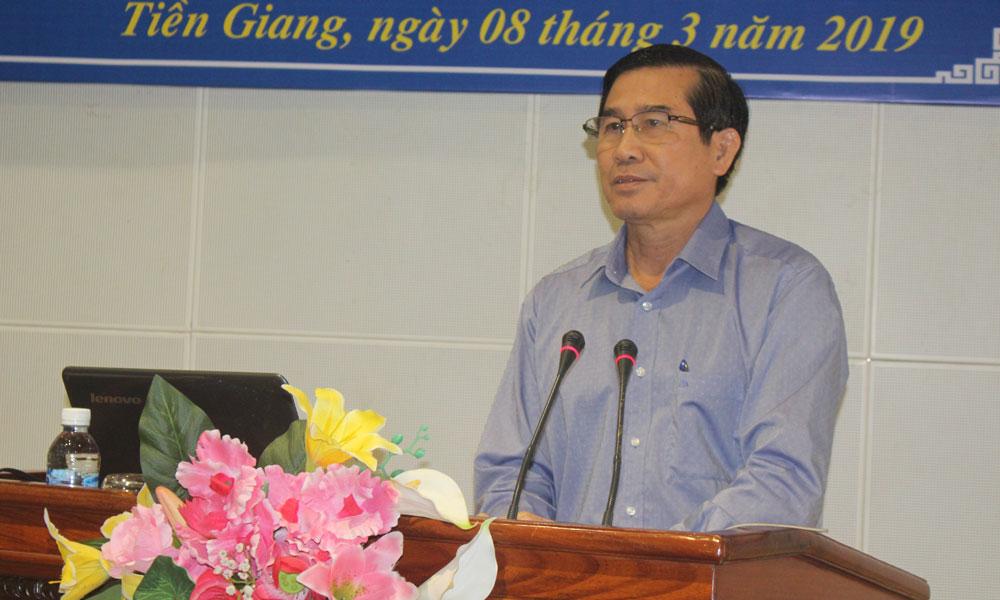 Chủ tịch UBND tỉnh Lê Văn Hưởng phát biểu tại hội thảo.