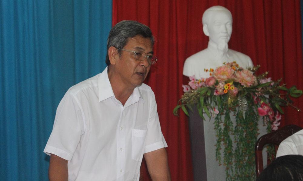 Phó Chủ tịch UBND huyện Cái Bè Nguyễn Văn Nha phát biểu tại buổi làm việc.
