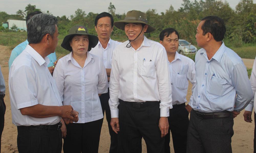 Lãnh đạo tỉnh kiểm tra công tác GPMB tại huyện Cái Bè.