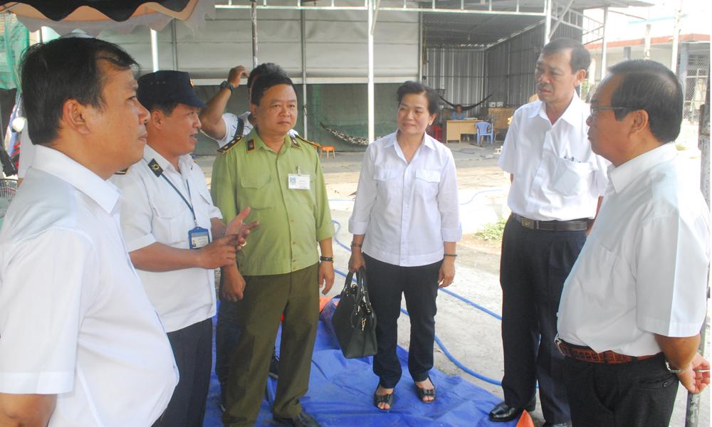 Kiểm tra chốt kiểm dịch động vật số 1 (đặt tại Trạm cao tốc Trung Lương-TP. Hồ Chí Minh)