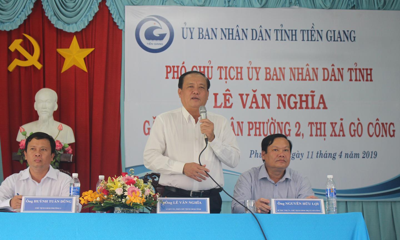 Đồng chí Lê Văn Nghĩa phát biểu tại buổi gặp gỡ.