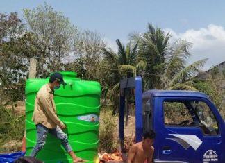 Các chuyến xe chở nước ngọt đến với bà con