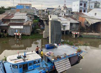 Khởi tố tài xế xe tải chở hơn 23 tấn lúa qua cầu 3,5 tấn gây sập cầu