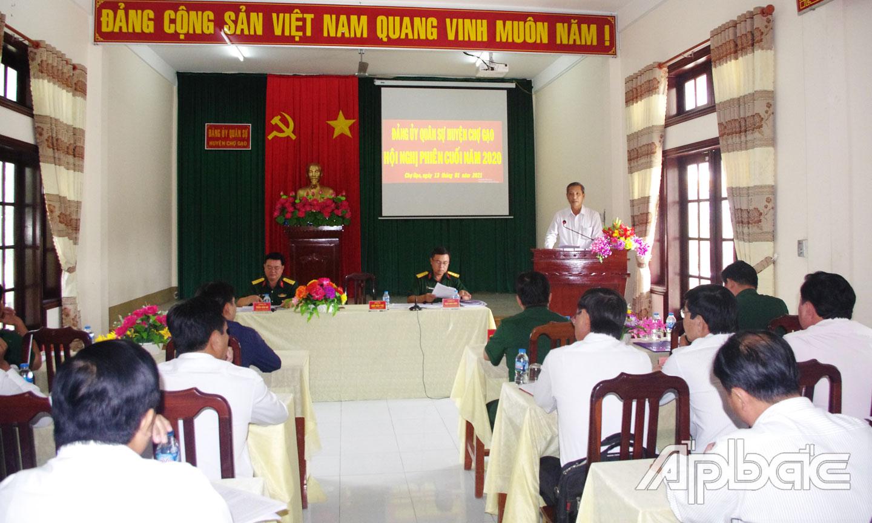 Đồng chí Ngô Hữu Thệ, Bí thư Huyện ủy Chợ Gạo phát biểu chỉ đạo Hội nghị.