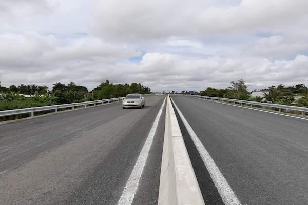 Tuyến cao tốc Lộ Tẻ - Rạch Sỏi sẵn sàng đưa vào sử dụng. Ảnh: Trung Chánh