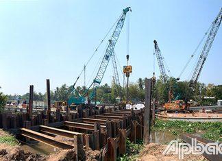 Công trình đắp đập thép ngăn mặn, trữ ngọt trên kinh Nguyễn Tấn Thành (huyện Châu Thành).