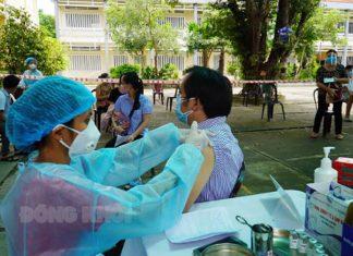 Một điểm tiêm chủng tại tỉnh Bến Tre. Ảnh: Báo Đồng Khởi